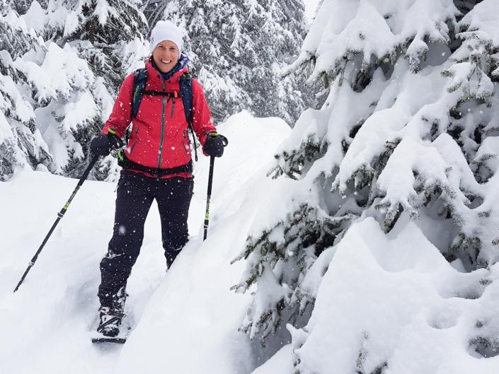 Begeisterter Teilnehmer Schneeschuhtour Zentralschweiz