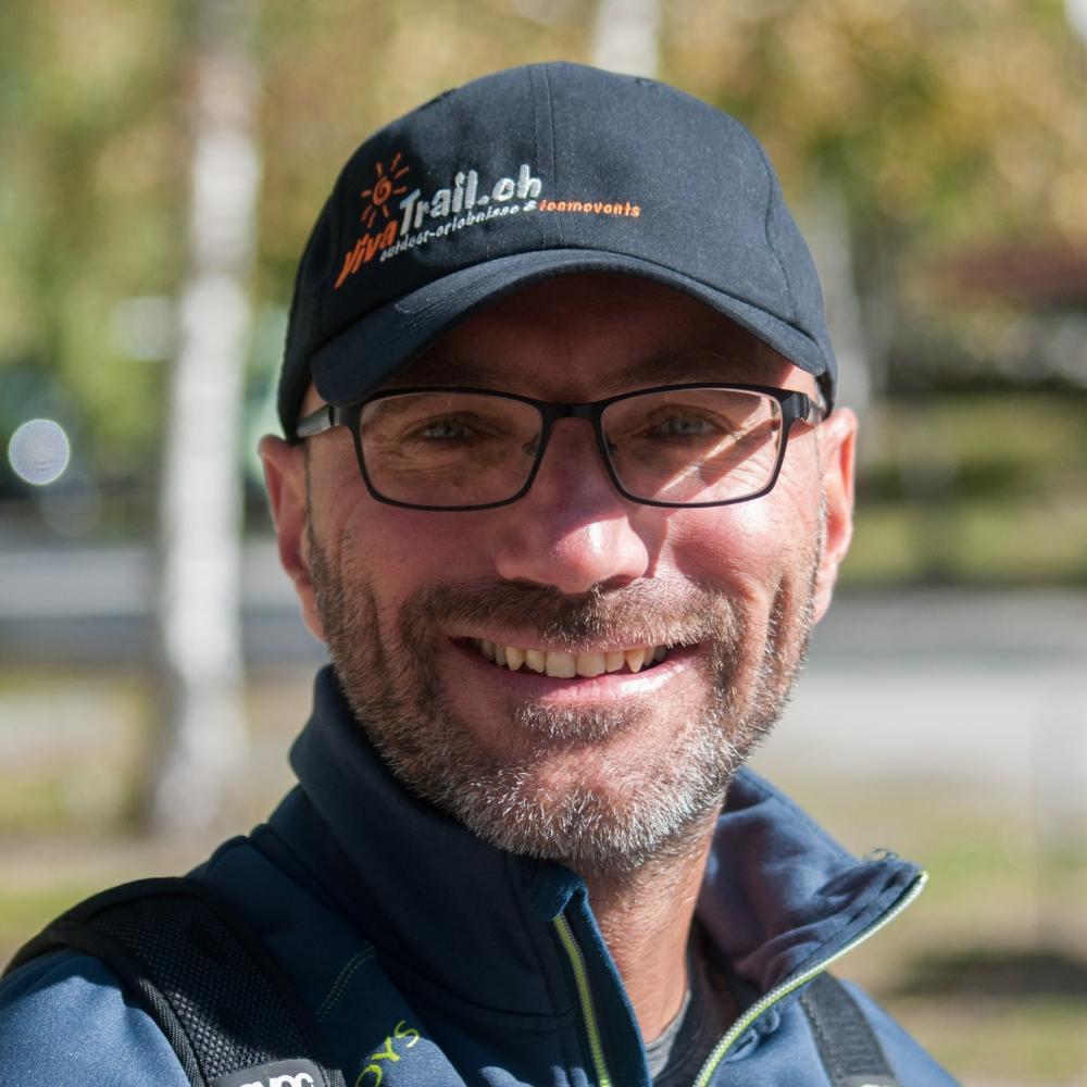 Eidg. Dipl. Wander- und Schneeschuhwanderleiter Markus Isenmann organisiert Outdoor-Teamevents